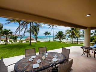 Beachfront VDM C 103 Villa Paradise