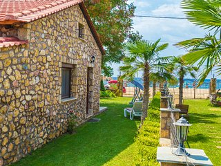 Stone House Maria, A House On the Beach!