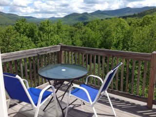 White Mountain Retreat in Waterville Estates with Gorgeous Views minutes off I93