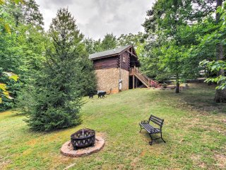 NEW! Tranquil 1BR Sevierville Cabin w/ Hot Tub!