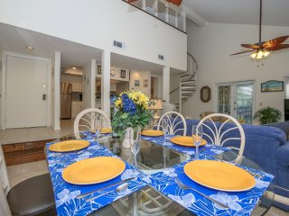 Beautiful Dining Area for six!