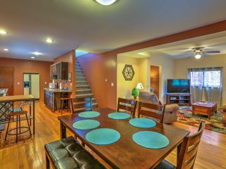 Charming 3BR Grandview House Near Univ. Stadium!