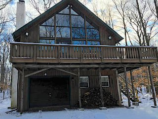 Poconos Lake House W/ Huge Loft