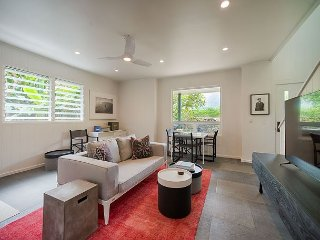 Two-Story Cottage In the Center of Hanalei