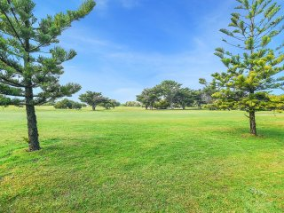 18 Downer Avenue - Overlooking South Lakes Golf Course and an Easy Stroll to Goo