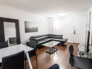 S8P-MURRAY HILL-ELEGANT 1BR WITH DOORMAN