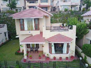 Winged Villa (Luxury Homestay on Bhimtal - Sattal Road)