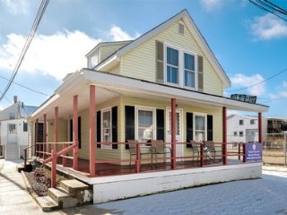 Hampton Beach Cottage Just Steps from the Ocean ~ RA146214