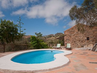 Holiday cottage with private pool in Las Palmas