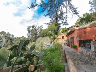 Holiday cottage with shared pool in El Zumacal