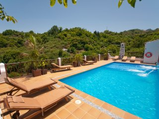 Holiday cottage with shared pool in Fontanales