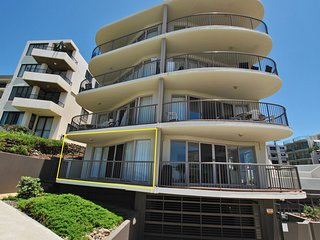 Pandanus Shores Unit 1 Kings Beach QLD
