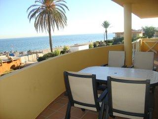 La Cala de Mijas. Primera linea de playa en Arruzafa Playa