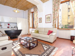 Beautiful and sunny nest in Trastevere's hearth
