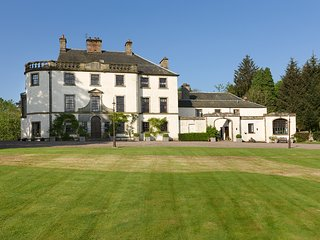 Eland Holiday Apartment at Pitcairlie Mansion House, Spa facilities on site.