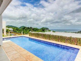 Long-term discounts: Two modern homes w/ private pools & ocean views, near beach