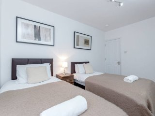 ❤️Royal Apartments - Heathrow: Apt No3❤️Key Workers Only
