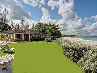'Beachfront! Family! Kayaks Pool! Baywatch and Siesta Beachfront, 10 BR'