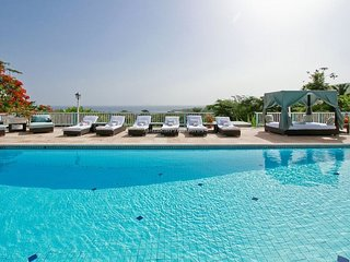Luxury Beach Resort! Gym! Tennis! Golf! Pool! Fully Staffed!Villa Stella