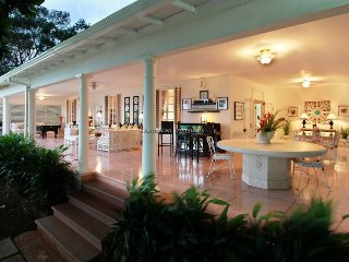 BEACH CLUB! CHEF! BUTLER! POOL! ELEGANT LUXURY! Pimento Hill, Montego Bay 6BR