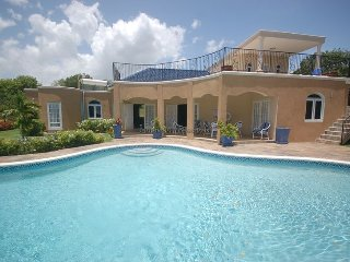 'Affordable Luxury! Walk to beach! Cook! Housekeeper! Pool! Mi Amor, Silver