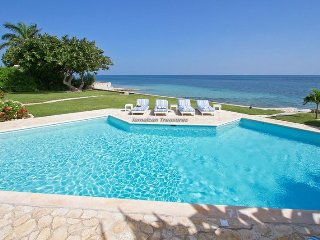 BEACHFRONT VILLA!JAMAICA, TENNIS, GOLF, GYM! FULL STAFF! OWN CHEF! SUNRISE!