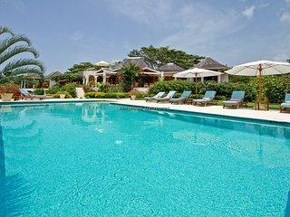 Luxury Beach Resort! Gym! Tennis! Golf! Fully Staffed! Sugar Hill