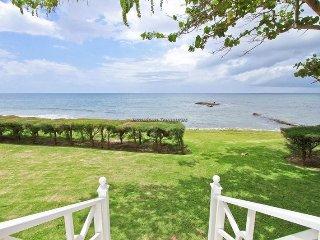 Luxury Beach Resort! Gym! Tennis! Golf! Fully Staffed!Seaspray
