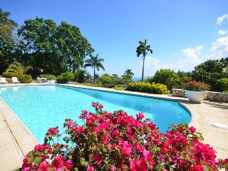EXCLUSIVE ROUND HILL RESORT! STAFF! POOL! SECURITY! Summerland, Montego Bay 4BR