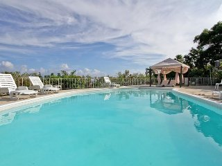 Own Cook! Housekeepers! Pool! Staff! Gated community! Friendly! Near