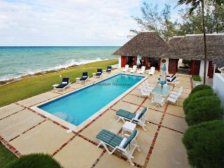WATERFRONT VILLA! STAFFED! Elysian Plain, Tryall - Montego Bay 5BR