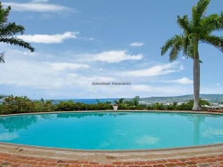 SPECTACULAR VIEWS! STAFFED! POOL! Drambuie Estate- Montego Bay 5BR