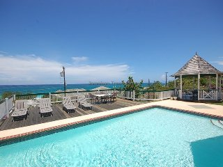 Affordable Luxury! Walk to beach! Cook! Housekeeper! Pool! Sol Mar