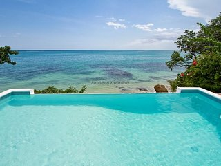 BEACHFRONT VILLA, FULLY STAFFED IN JAMAICA,Culloden Cove,South Coast 3BR