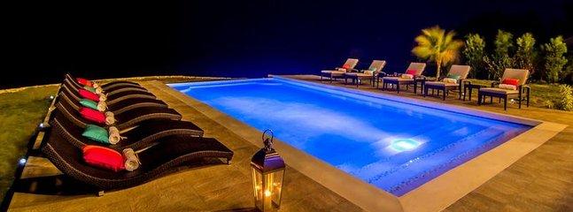 Star gazing at night around the infinity swimming pool!