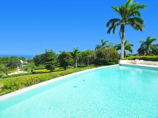 GRAND LUXURY! STAFF! CHEF! VIEWS! POOL!Georgian House, Montego Bay 4BR