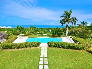 LUXURY! POOL! GATED COMMUMITY! STAFF!Georgian House, Montego Bay 7BR