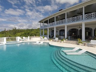 ULTIMATE LUXURY! BUTLER! CHEF! BEACH MEMBERSHIP! Flower Hill Villa- 5BR