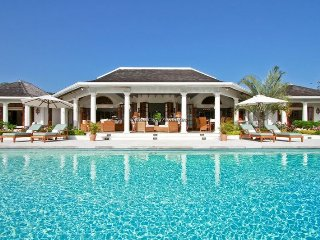 Beach Club! Tennis! Pool! Luxury! Golf! Gym! Butler and Chef! Bougainvillea