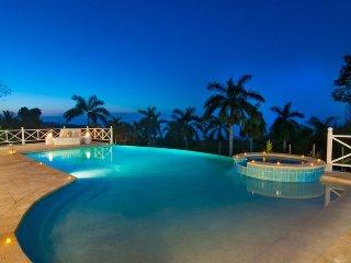 'Pool, beach club, staff, chef service, butler, Montego Bay, Allamanda '