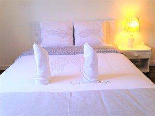 Très jolie chambre double, spacieuse 14m2, draps fournis