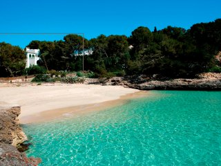 CALA D'OR HOUSE. Sea view & direct access to the beach!