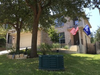 Perfect Home minutes from Lackland and Seaworld