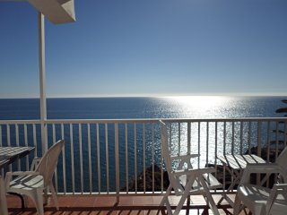 Carabeo 60 2B-M, Apt. 3 Bedrooms, Pool, A/C, WiFi