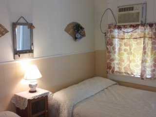 Two BDRM # B  Affordable Family 1block to beach- WiFi-Parking