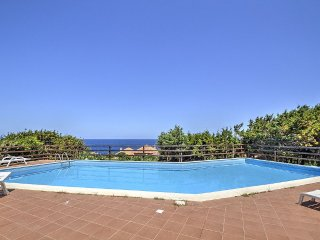 Costa Paradiso Villa Sleeps 2 with Pool - 5456987