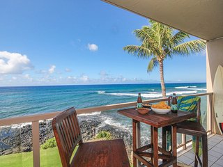 Kuhio Shores 319-A/C 2b corner condo ocean front with FREE mid-size car