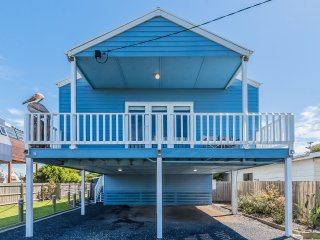 6 Barry St, Sunderland Bay - Beach House