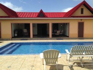 Tropi Isle Villas
