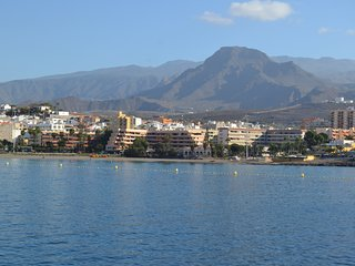 3 bedroom First Line Los Cristianos Ocean view 20 meters to the beach WIFI